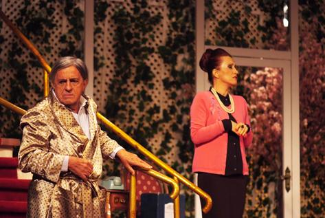 Sao Paulo, SP, Brasil,17-01-2015 O Comediante Atores Ary Fontoura (esq) e Angela Rebello Teatro Raul Cortez Foto Lenise Pinheiro/Folhapress