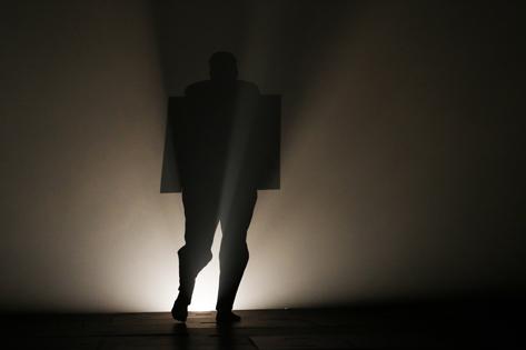 Sao Paulo, SP, Brasil. Data 18-01-2016. Espetaculo As Benevolentes - Uma anatomia do mal. Ator Thiago Fragoso. Teatro Hebraica. Foto Lenise Pinheiro