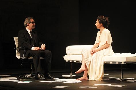 Sao Paulo, SP, Brasil. Data 17-05-2016. Espetaculo Isadora. Atores Daniel Dantas (esq) e Melissa Vettore.  Teatro do Masp Foto Lenise Pinheiro/Folhapress