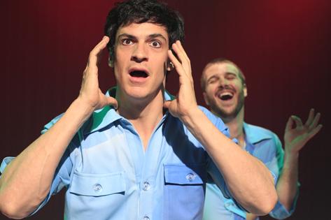 Sao Paulo, SP, Brasil. Data 04-09-2016. Espetaculo Selfie. Atores Mateus Solano e Miguel Thire (barba). Teatro Renaissance. Foto Lenise Pinheiro/Folhapress