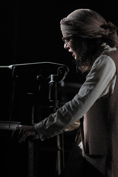 São Paulo, SP, Brasil. Data 07-06-2016. Espetáculo A Ultima Dança. Atriz Natalia Gonsales. Viga Espaço Cênico. Foto Lenise Pinheiro/Folhapress