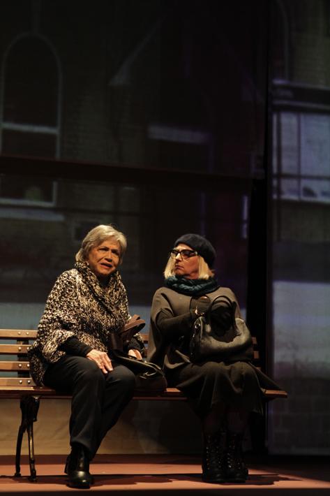 Sao Paulo, SP, Brasil. Data 07-09-2016. Espetaculo 33 Variacoes. Atrizes Nathalia Timberg (esq) e Lu Grimaldi (dir). Teatro Nair Bello. Foto Lenise Pinheiro/Folhapress